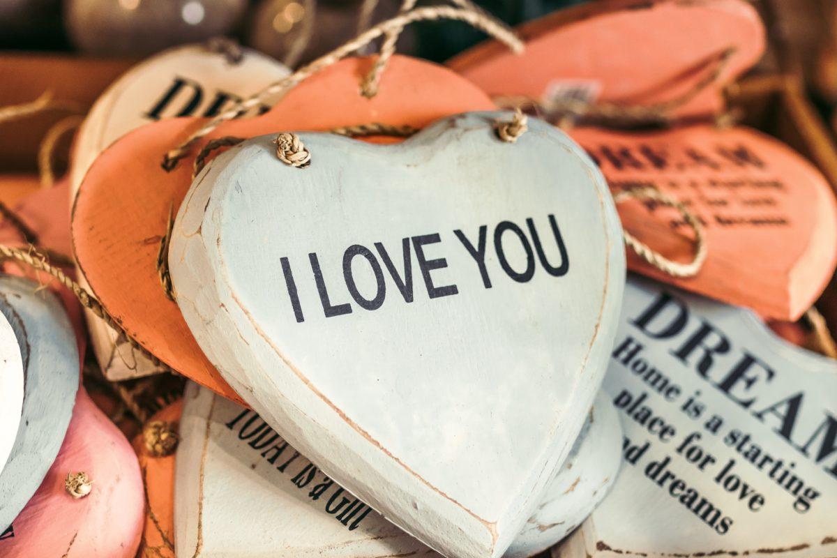 「死ぬまでに一度は結婚したいと思いますか?」婚活コラムをOPPOLOVEに掲載しました。